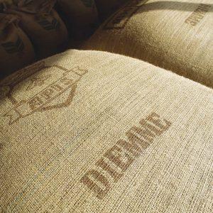 säckar av kaffebönor
